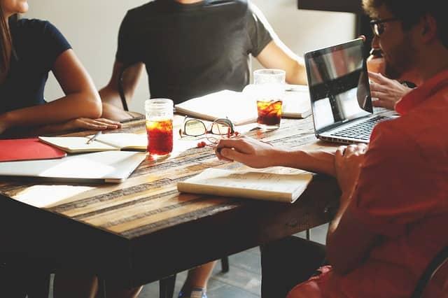 Ako sa v podnikaní posunúť dopredu vďaka základným radám?