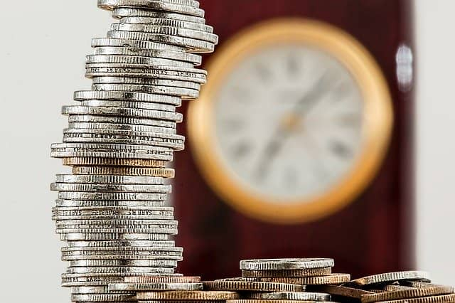 Ako zarobiť finančné prostriedky bokom?