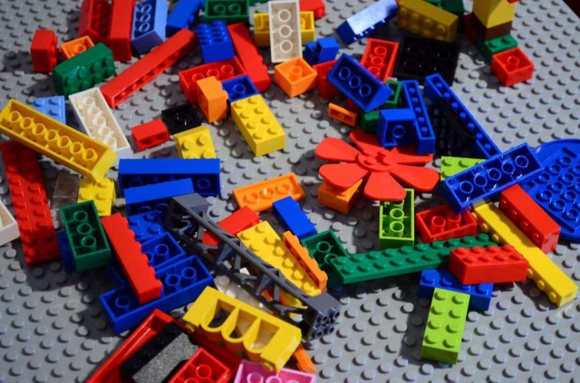 Investície ako investícia aneb malí podnikatelia a nadšenci sa našli v Lego investíciách