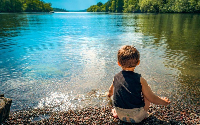 Cestujete s malými deťmi? Prinášame tipy, ako let zvládnuť