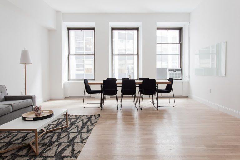 Čo je lepšie - koberec alebo lino?